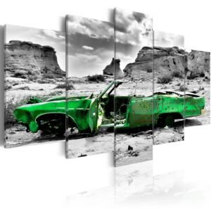 Tablou Bimago - Green retro car at Colorado Desert 100x50 cm
